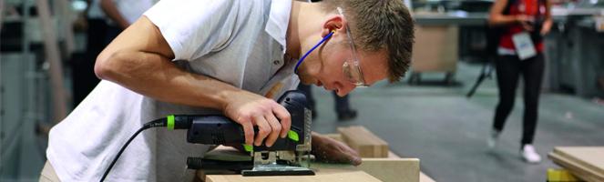 Richard M. Schauer bei den WorldSkills - Goldmedaillengewinner aus Deutschland im Wettbewerb Möbelschreiner