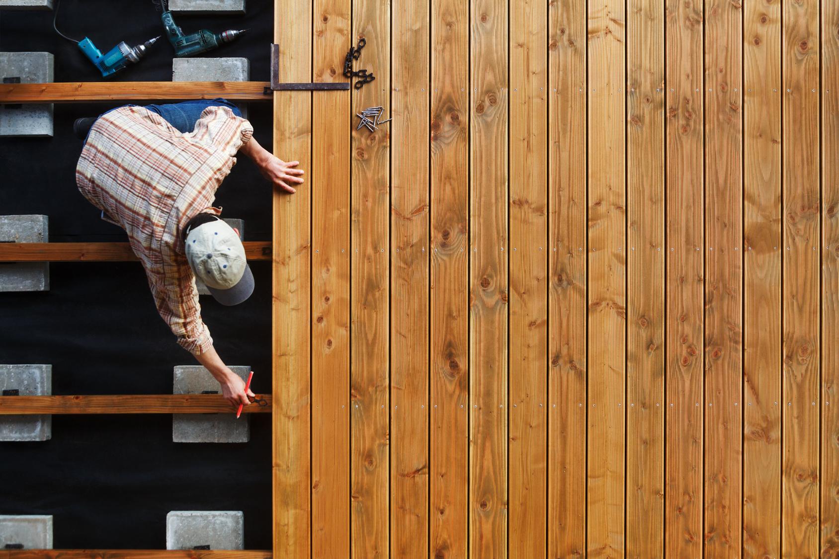 terrassenholz holzarten f r die terrasse theo. Black Bedroom Furniture Sets. Home Design Ideas