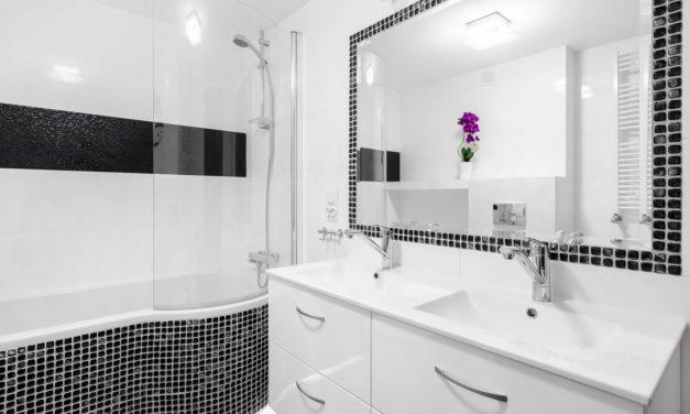 Spiegel befestigen – mit und ohne Bohren